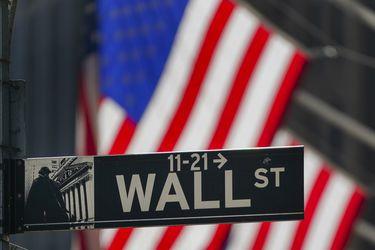Rendimientos de bonos Tesoro caen tras flojo dato ventas minoristas EEUU que aleja temores inflación