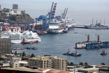 Cruceros se reactivan en el extranjero y Valparaíso mantiene incertidumbre