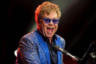 Elton John publicará su primera autobiografía en octubre