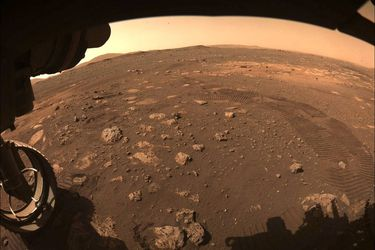 """""""Gran hito"""": Rover Perseverance da su primer viaje en la superficie de Marte"""