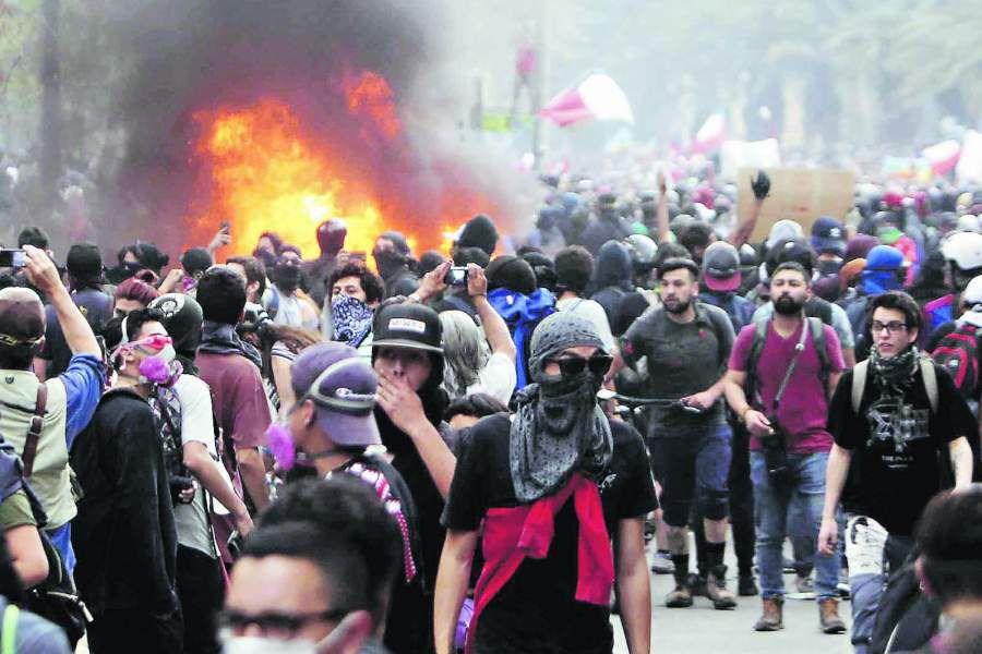 Imagen MANIFESTACIONES PLAZA ITALIA2575