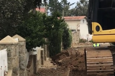 CMN oficia pausar las obras cercanas a la casa/tumba de Nicanor Parra