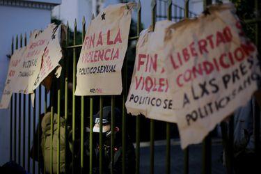 Estudiantes de la Aces se tomaron sede del INDH en Providencia: piden la libertad de los presos del 18-O