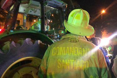 Agricultores prestan 20 tractores para sanitizar Santiago con agua con cloro