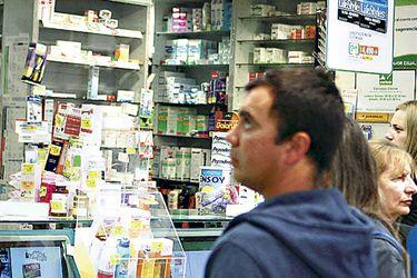 imagen-gondolas-farmacia-cruz-verde588