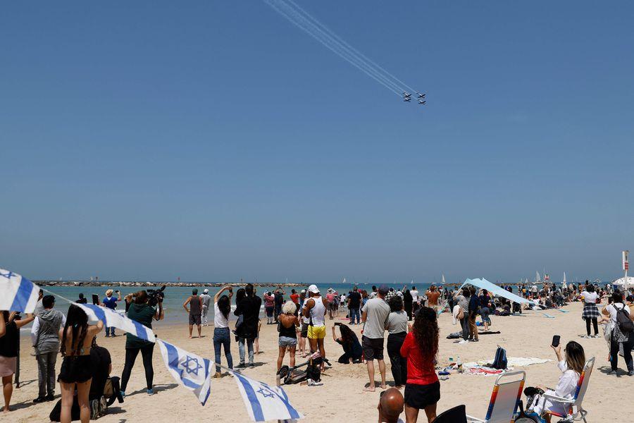 Israel suspende obligación de usar mascarilla en espacios públicos abiertos a contar de este domingo - La Tercera