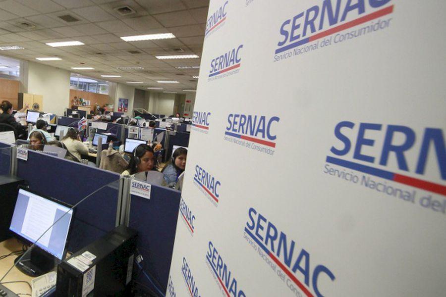 Sernac presentó nuevo número telefónico para hacer consultas y reclamos