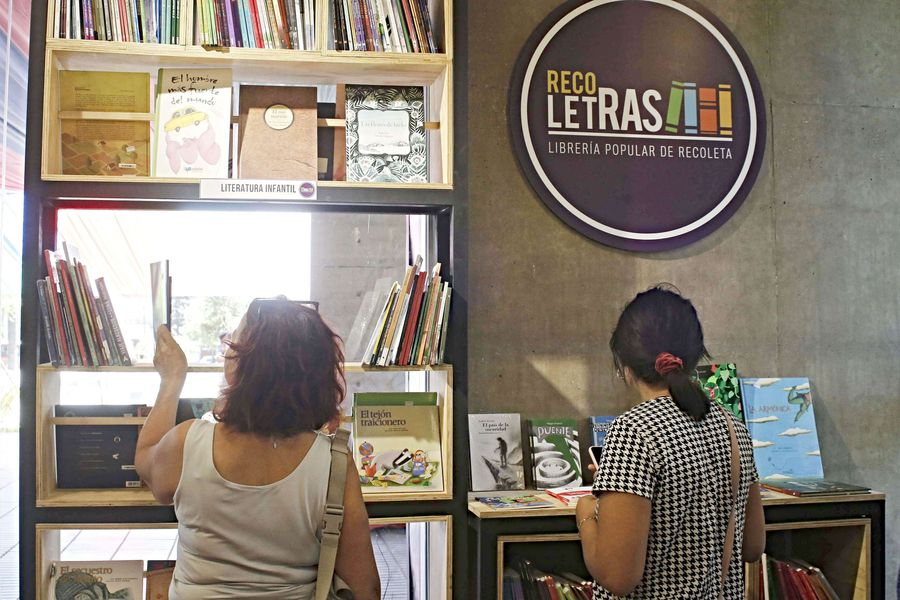 Recoleta inauguró una librería popular con libros al costo.