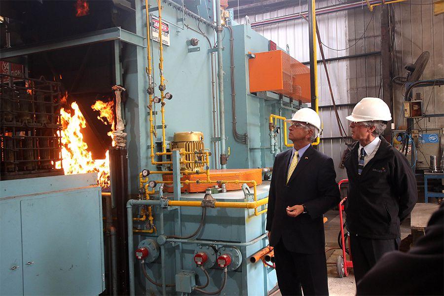 El ministro de Hacienda visita la empresa Drillco