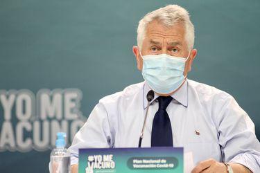 Ministro Paris confirma que personas con VIH no deben mostrar ningún documento para vacunarse y se abre a inocular a este grupo en centros de atención especializados