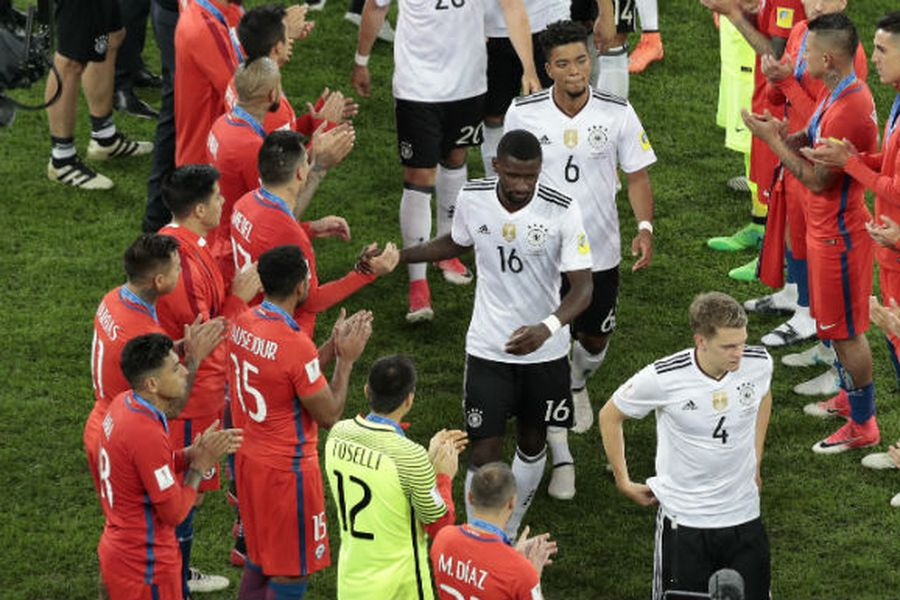 "Chile le realizó el tradicional ""pasillo"" a Alemania - La Tercera"