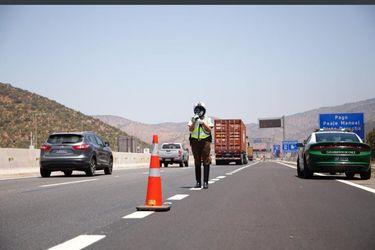 Carabineros: Más de 280 mil vehículos salieron de la RM durante este fin de semana y 800 fueron retornados