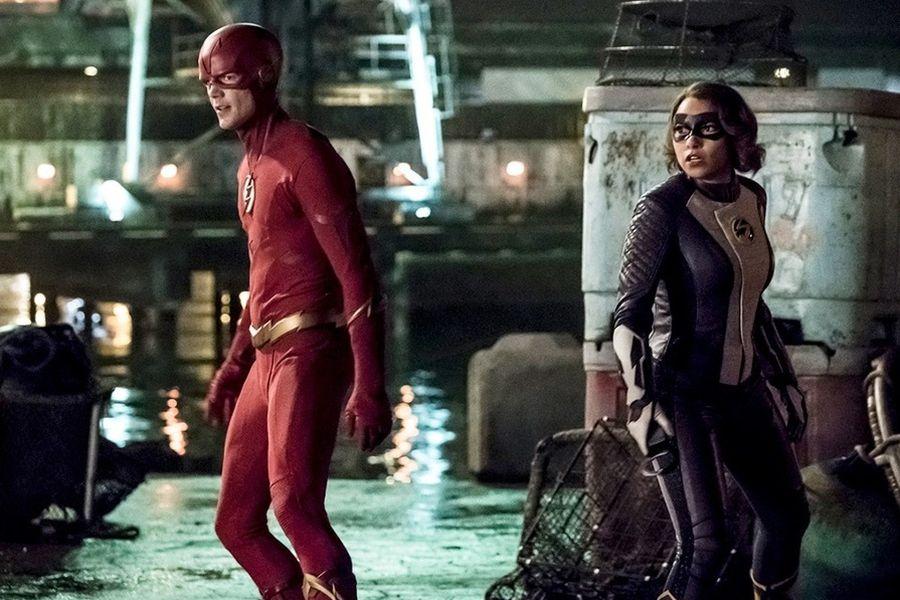 flash nora trajes