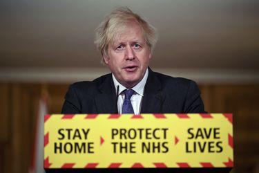 Boris Johnson señala que nueva variante del coronavirus podría estar asociada a mayor mortalidad