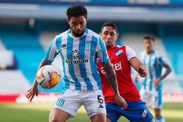 El Racing de los chilenos sufre en su primer partido en seis meses