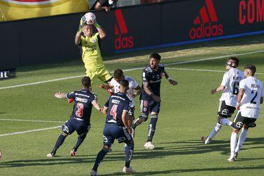 25 de Abril del 2021/SANTIAGO Brayan Cortes (i), durante el partido valido por la quinta fecha del Campeonato Nacional AFP PlanVital 2021, entre Colo Colo vs Universidad de Chile, disputado en el Estadio Monumental.