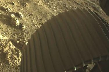 Rover Perseverance comienza trabajo científico en Marte en medio de un viento implacable