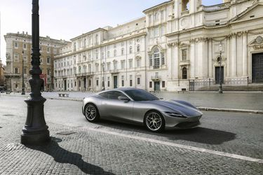 Ferrari Roma: el deportivo inspirado en la Dolce Vita llega a Chile