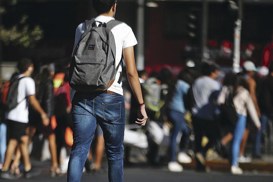 Imagen-ESTUDIANTES-UNIVERSITARIOS_WEB