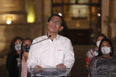 Bonos gubernamentales de Perú se desploman tras destitución de Vizcarra