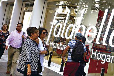 Falabella se enfoca en e-commerce, desacelera apertura de tiendas y ajusta plan de inversiones