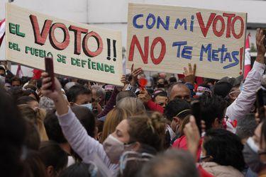 """Adriana Urrutia, presidenta de la Asociación Civil Transparencia de Perú: """"No tenemos evidencia de un fraude electoral sistemático"""""""