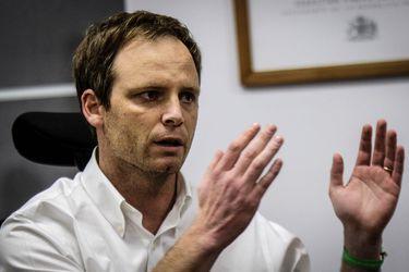 """Arturo Zúñiga al ruedo político: subsecretario entra al debate constitucional y niega el dilema de la """"última cama"""""""