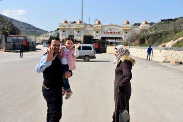 """El """"final feliz"""" de la niña siria a la que su padre hacía reír con los bombardeos"""
