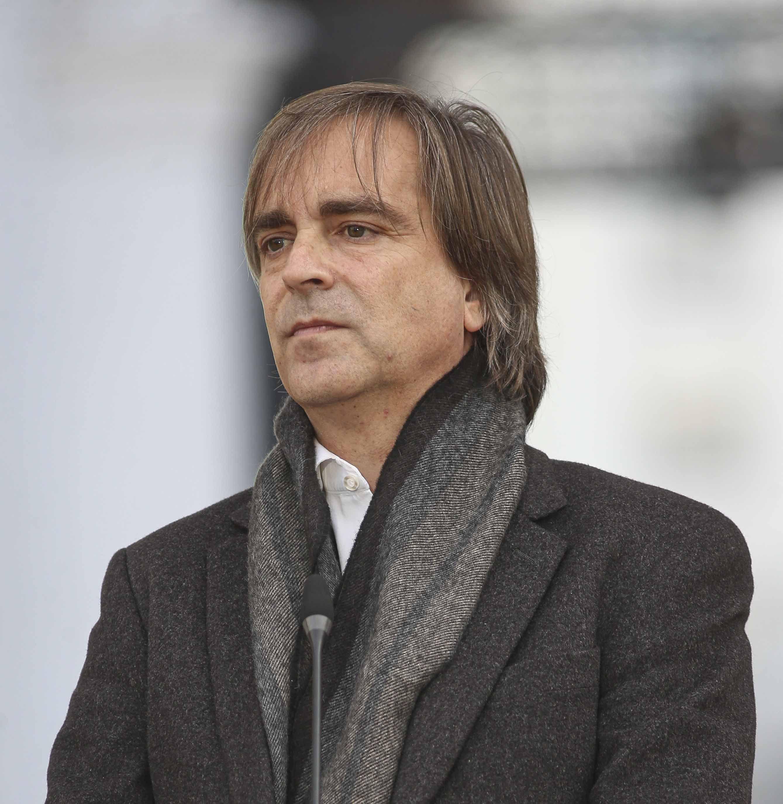 Luciano Cruz-Coke (Evópoli) iba a postular a senador por Santiago; también mira a Ñuble.  Mario Tellez / La Tercera
