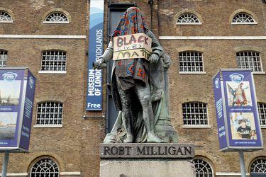 Las estatuas y monumentos que cayeron en el mundo tras la muerte de George Floyd