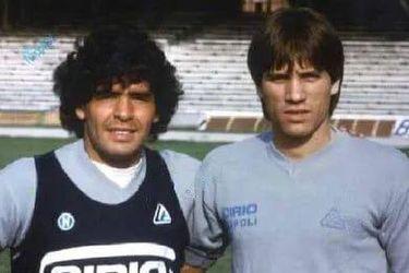 Sorprenden a compañero de Maradona en el Napoli durmiendo en la calle