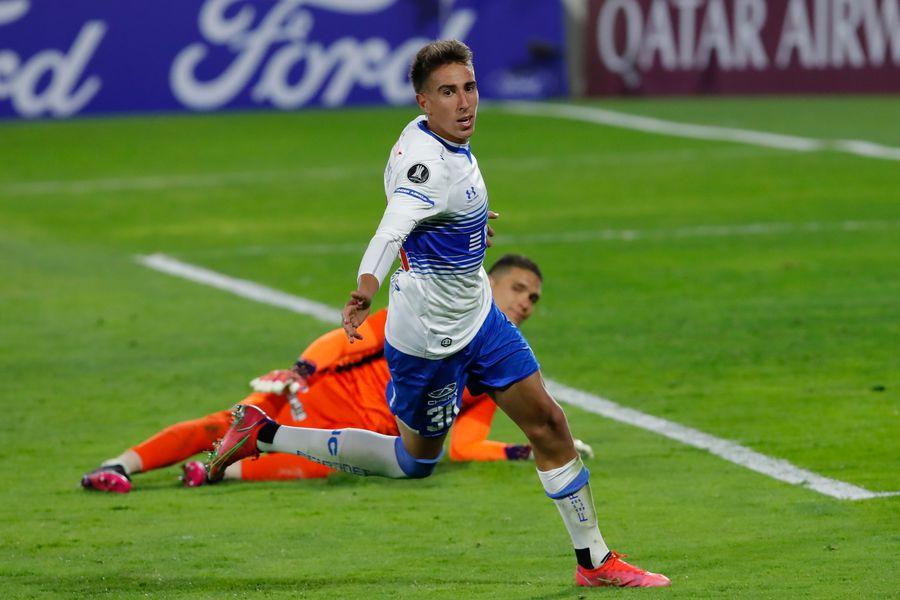 Diego Valencia, tras marcar el 2-0 definitivo de Universidad Católica ante Atlético Nacional, por la Copa Libertadores. FOTO: Agencia Uno.