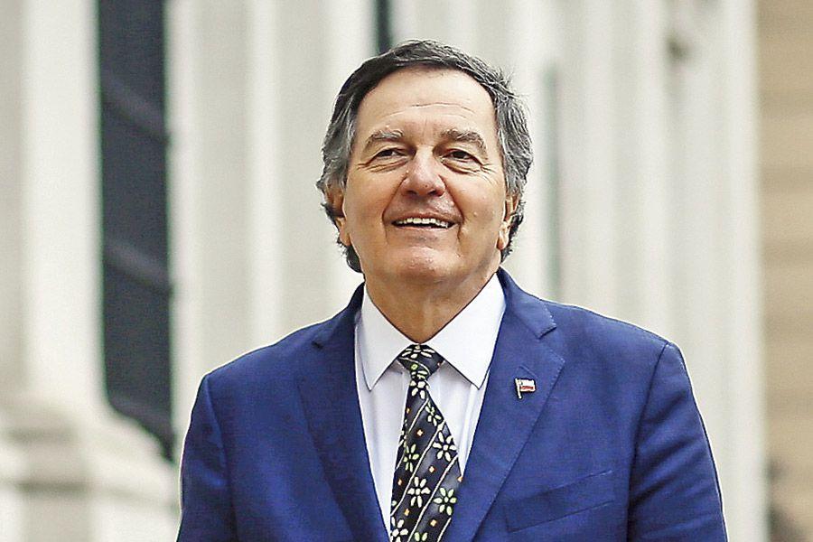 ROBERTO-AMPUERO-Y-CLAUDIO-GROSSMAN35-(43233781)