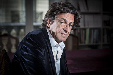 """Luc Ferry, filósofo francés: """"Mientras más soñemos, más difícil será el despertar"""""""