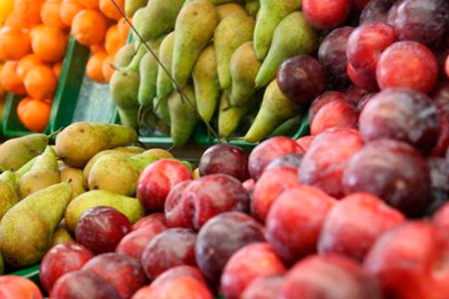 ¿Es el azúcar de las frutas igual de dañino que el de los caramelos? - La Tercera