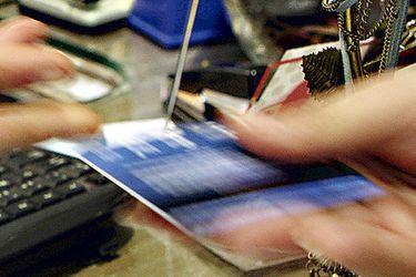 Empresas y hogares enfrentan la crisis con mayor endeudamiento desde que hay registro