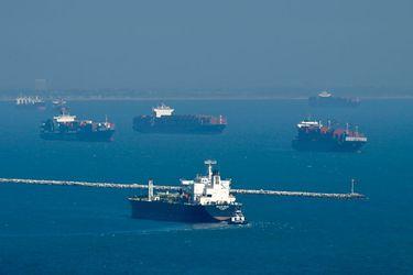 Por qué los buques portacontenedores no pueden sortear el taco de los puertos de California