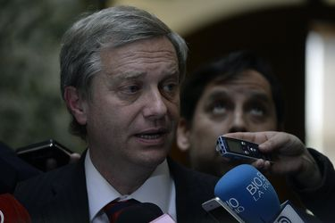 Jose Antonio Kast Cede  su Dieta Parlamentaria