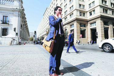 Hacienda firma decreto y se compromete con déficit de 2% al término del gobierno