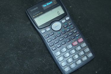 Casio se querelló contra un youtuber que modificó una calculadora científica para acceder a internet