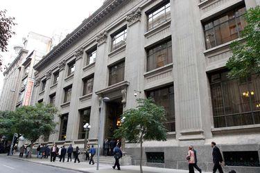 Reforma al Banco Central para comprar bonos del fisco en mercado secundario levanta polémica entre expertos