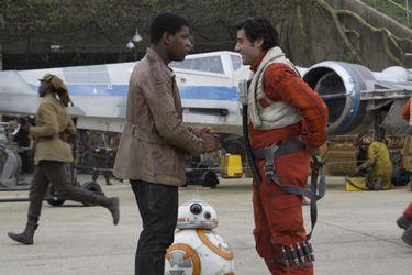 Poe, Finn y Chewbacca aparecen en fotos filtradas desde el set de Star Wars: Episodio 9