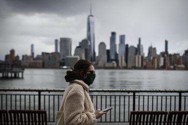 Gobernador de Nueva York autoriza reapertura de colegios en medio de pandemia