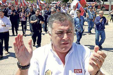 """Nolberto Díaz (CUT): """"Lamentamos que no hayan podido salir electos dirigentes sindicales (…) estamos contentos por la irrupción de los movimientos sociales"""""""