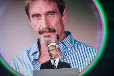 Hallan muerto en prisión a John McAfee, el creador del software antivirus