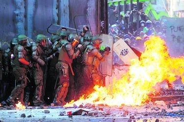 Carabineros lleva casi 2 mil recursos por ataques a policías