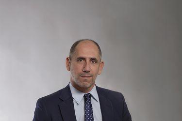 """Miguel Mata, gerente general de Santander Chile: """"Queremos ayudar a nuestros clientes a transitar hacia una economía verde"""""""