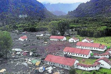 Aluvión en Chaitén y carabinero desaparecido.