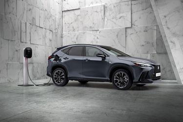 El nuevo Lexus NX estrena su primera versión híbrida enchufable