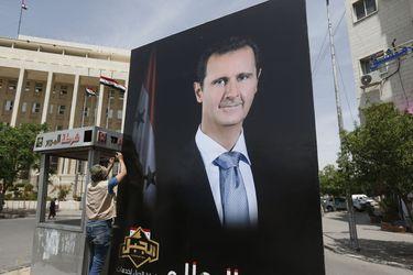 """Assad """"consigue"""" luz verde para nueva candidatura tras 21 años en el poder en Siria"""